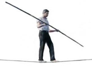 un équilibriste sur un fil